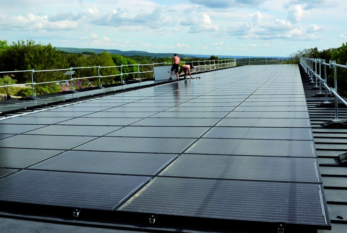 panneaux-photovoltaiques_aven_orgnac.jpg